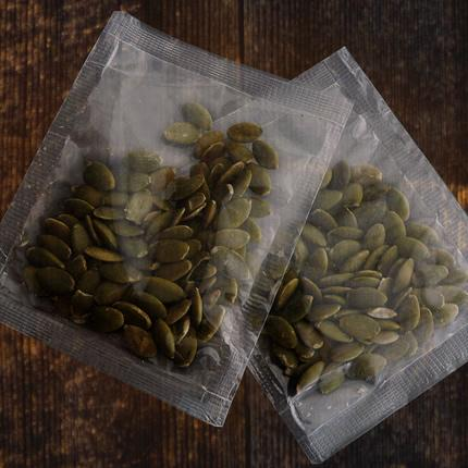 Roasted pumpkin seeds in sachets - Bowlander ingredients for vegan and vegetarian dishes